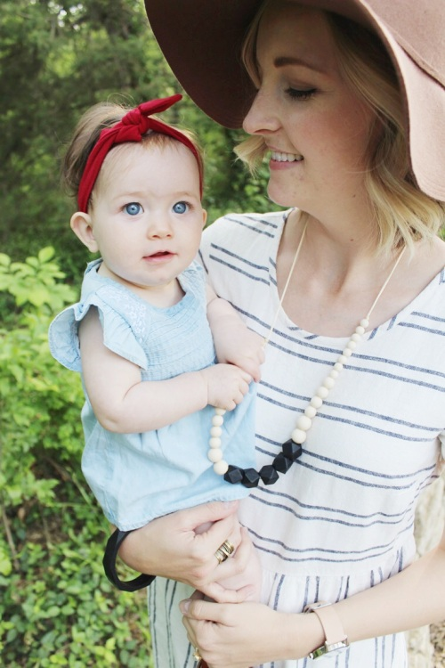 mama-and-little-teething-necklace-giveaway-dearly-noted-lifestyle-blog-2