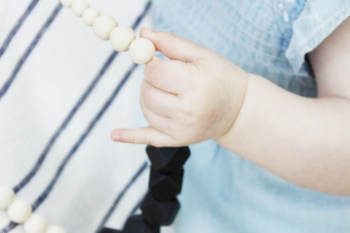 mama-and-little-teething-necklace-giveaway-dearly-noted-lifestyle-blog-7